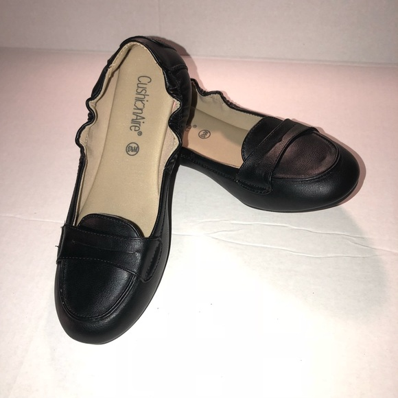 b83b81408dc CushionAire Penny Loafer Style Size 6.5